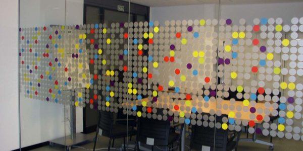 Vinilos de oficina de colores de imprenta digital